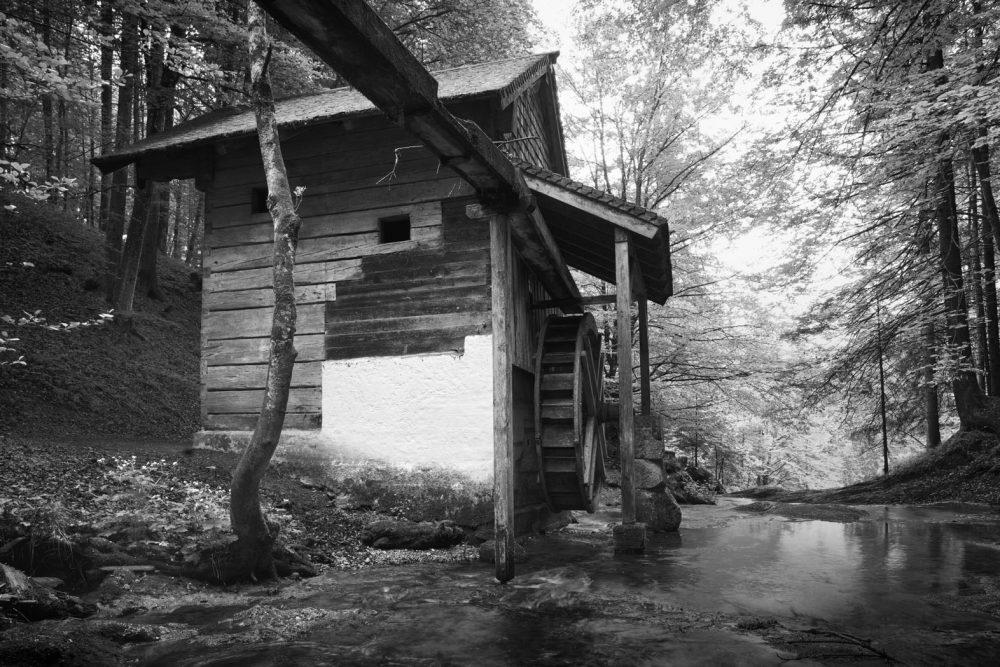 Eder Mühle Behind